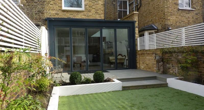 Bi-folding-doors-garden