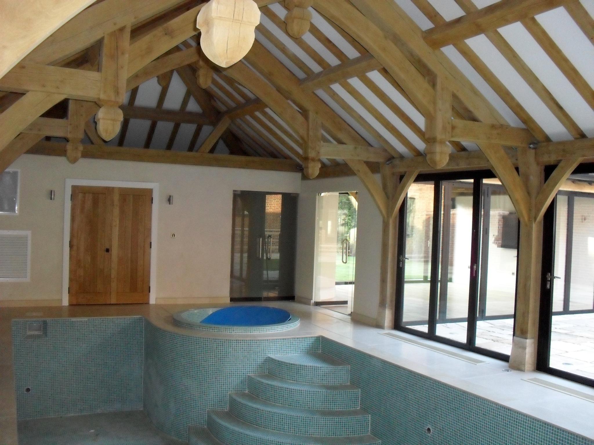 swimming-pool-bolding-doors